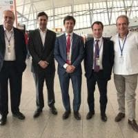 Firenze, il sindaco all'aeroporto di Montevideo: