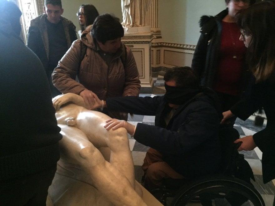 """Firenze, Uffizi """"da toccare"""" nella giornata internazionale della disabilità"""
