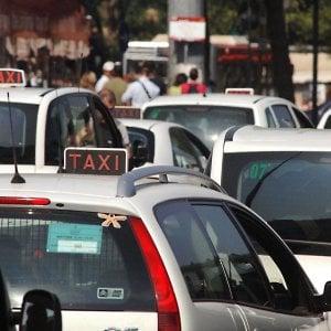 """Firenze, il sondaggio : """"9 persone su 10 soddisfatte del servizio taxi"""""""