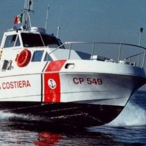 Livorno, caporalato in mare: getta lavoratore in acqua per sfuggire ai controlli