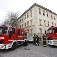 Firenze, nuovo incendio nella palazzina della scuola Dino Compagni