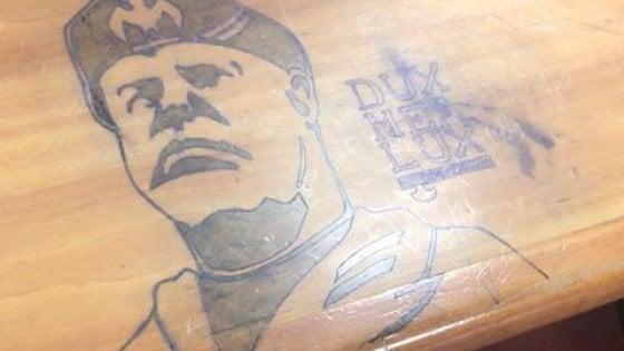 Disegni fascisti nelle aule dell'Università di Firenze: l'ateneo denuncia alla procura