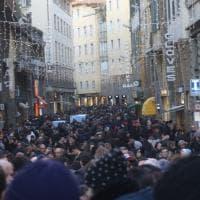 Firenze, assalto al centro fra turisti e shopping natalizio