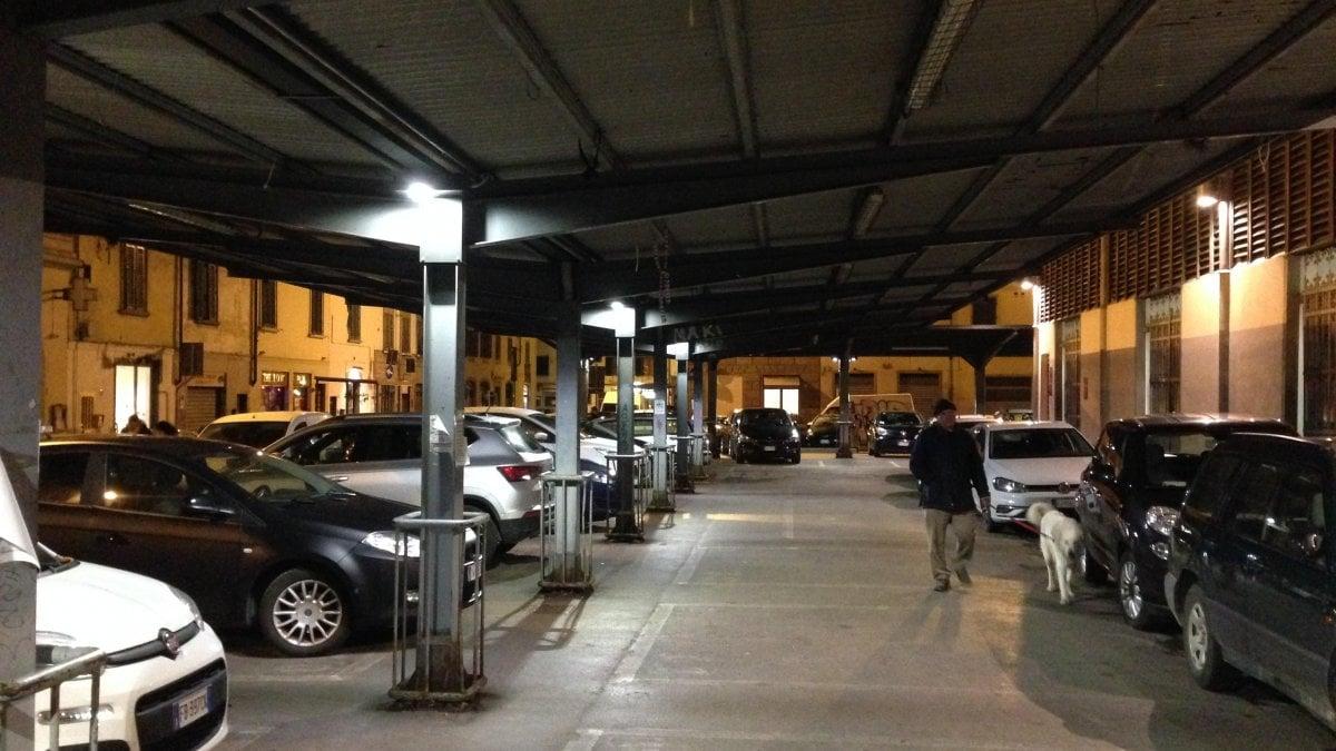 Firenze nuove luci led fuori dal mercato di santambrogio