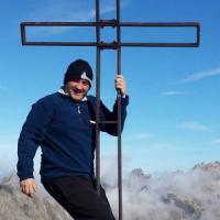 Escursionista scivola sul ghiaccio e muore sul monte Pania