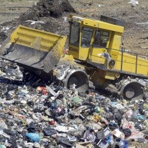 """Traffico di rifiuti in Toscana, l'intercettazione shock: """"Che muoiano i bambini, non mi importa"""""""
