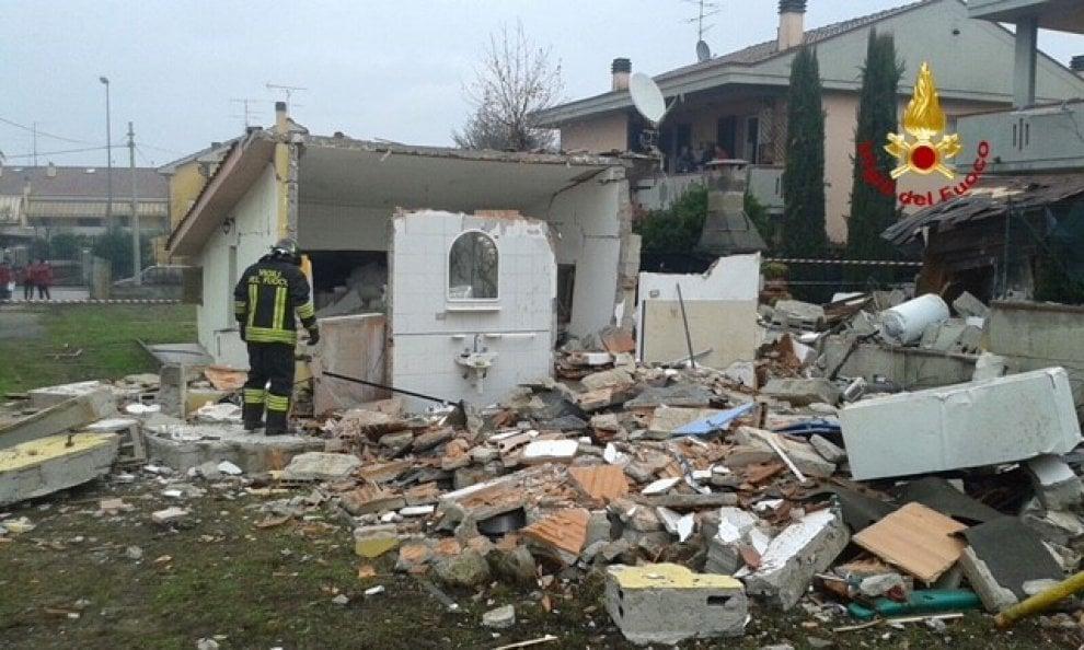 Fuga di gas, esplode edificio a Quarrata (Pistoia): nessun ferito