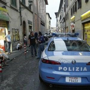 """Firenze: """"Mia figlia picchiata da un militante di destra"""""""