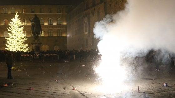 Firenze, a Capodanno un ferito per i fuochi e un giovane accoltellato
