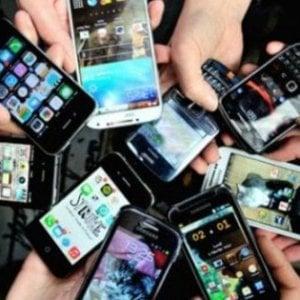 """Montelupo, banditi gli smartphone dentro al palazzetto: """"Basta social, parlate"""""""