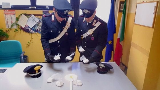 Carabinieri, bloccato un automobilista con 70 chili di marijuana