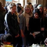 Familiari delle studentesse Erasmus morte nel bus: