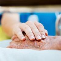 Alzheimer, in Toscana un gps per localizzare gli anziani in caso di smarrimento