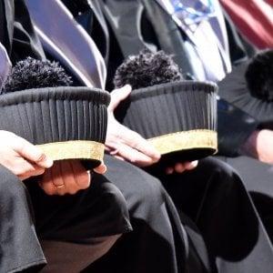 Firenze, inchiesta sui concorsi universitari truccati: interdetti sei professori