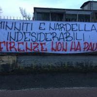 Striscioni contro Minniti e forze ordine affissi a Firenze