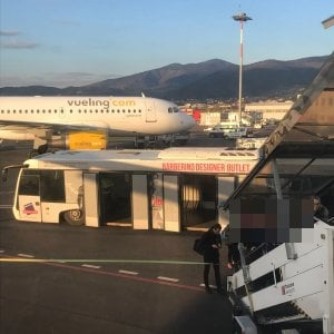 Firenze, telefonata anonima in aeroporto: bloccati due voli in partenza per Londra