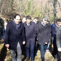 Renzi a Stazzema con i ministri Pd per firmare l'anagrafe antifascista