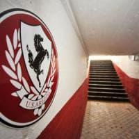Arezzo calcio, i tifosi contestano la proprietà