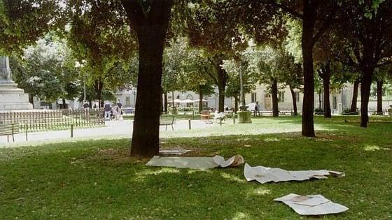Firenze, li scambia per i suoi scippatori e gli versa addosso l'acido: arrestata una donna