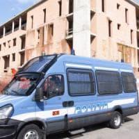 Firenze, sgomberato palazzo in via Pistoiese: 11 denunciati