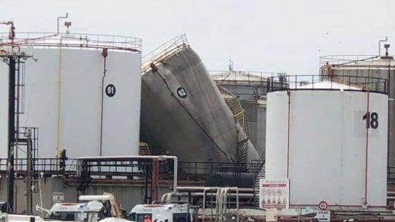 Livorno, esplosione al porto: due operai morti