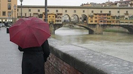 Piogge e temporali, codice giallo su tutta la Toscana