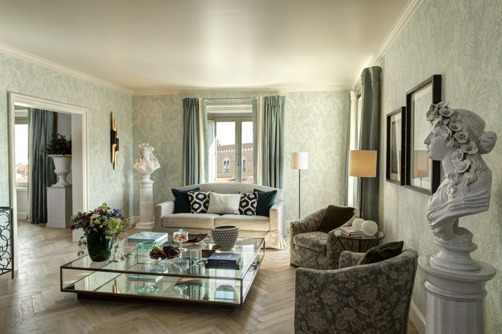 Firenze, riapre l'hotel Savoy: il design è maison Pucci