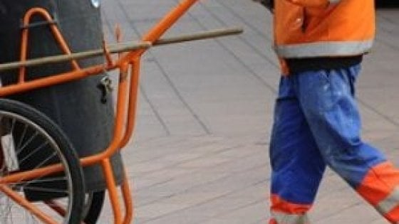 Braccialetto elettronico per gli spazzini: polemiche a Livorno