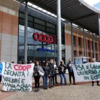 Firenze, Universo Sport chiude il punto vendita di Gavinana: il sit-in dei lavoratori