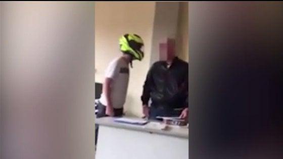 Lucca, offese e minacce al professore: spunta un altro video
