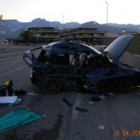 Carrara, proclamato il lutto cittadino per i quattro giovani morti nell'incidente