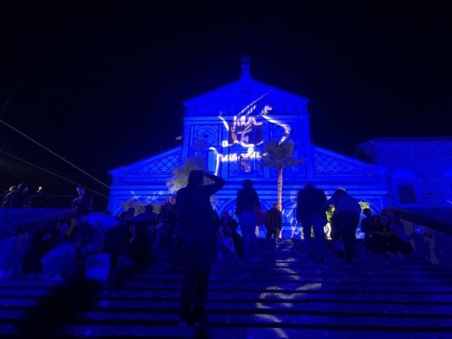 Firenze, giochi di luce sulla facciata della basilica di San Miniato