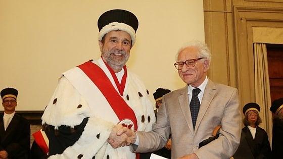 L'università di Firenze consegna la laurea a Malamoud