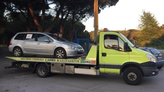 """Pisa, indagato il padre della bambina """"dimenticata"""" in macchina"""