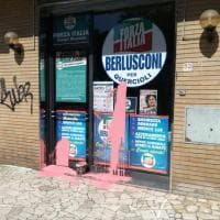 A Campi imbrattata la sede elettorale di Forza Italia
