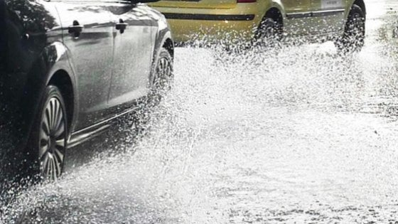 Maltempo, bomba d'acqua nel Senese. Codice giallo su tutta la regione