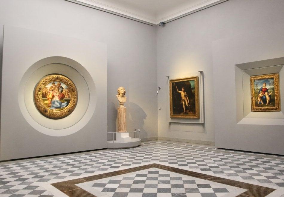 Firenze, il Tondo Doni e la Madonna del Cardellino insieme agli Uffizi
