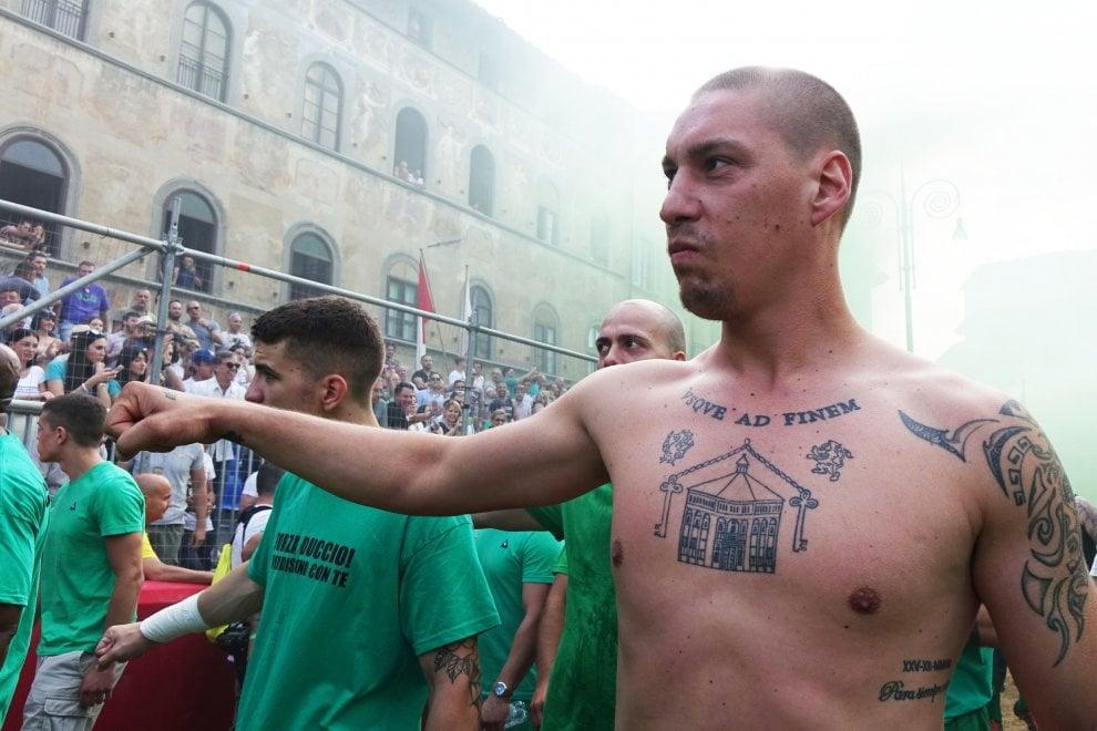Calcio Storico, i Verdi battono i Bianchi e vanno in finale
