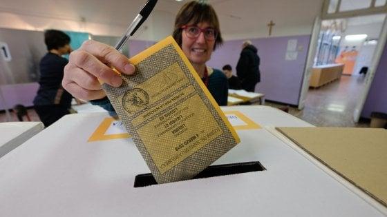 Il voto in Toscana: sindaci al ballottaggio a Pisa, Siena e Massa