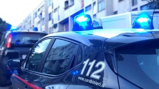Danneggiano autobus e si filmano, 7 minorenni denunciati nell'Aretino