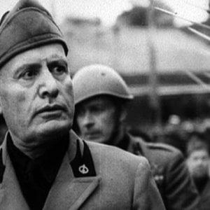 Volterra revoca la cittadinanza onoraria a Mussolini