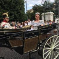 Firenze, a sorpresa in giuria a Miss Italia c'è un sacerdote