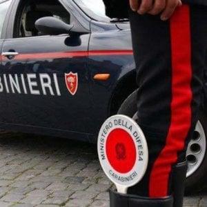 Picchia la madre che gli nega il denaro: arrestato a 29 anni nel Fiorentino