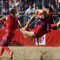 Firenze, domenica la finale del calcio storico:  i divieti e le limitazioni
