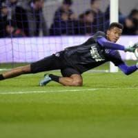 Mercato, la Fiorentina pronta a chiudere su Lafont e Pasalic