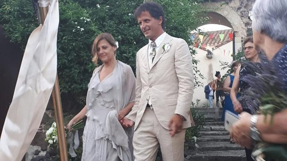 Il sì di Irene Grandi a Oristano: nozze con Lorenzo Doni