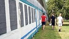 """14 giovani artisti decorano il """"Metatreno"""" al muro del """"Pelle"""""""