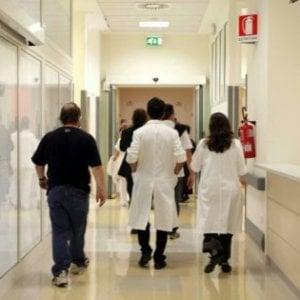 Visite private durante l'orario d'ufficio: arrestati quattro medici dell'ospedale di Prato