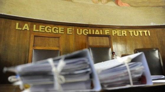 Firenze, eredità sottratta al cliente: avvocato condannato a otto mesi