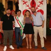 Firenze, festa di compleanno con cittadinanza italiana per due 18enni albanesi